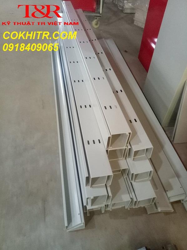 Máng điện 100x100